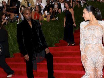 Kim Kardashian, Kanye West|Mezcalent