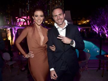 La pareja entre Fernanda Castillo y Erik Hayser en una premier en L.A. | Getty Images