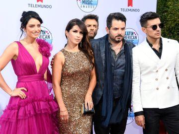La familia Derbez en una gala de Telemundo   Getty Images