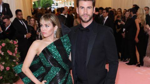 Miley Cyrus, Liam Hemsworth   Mezcalent