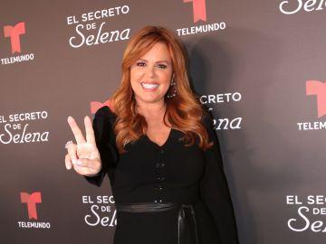 María Celeste Arrarás en la alfombra roja de El Secreto de Selena para Telemundo | Mezcalent