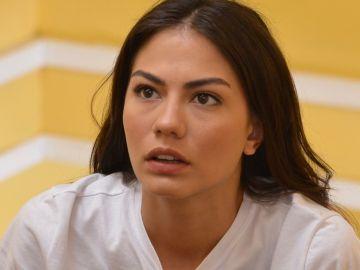 Demet Özdemir es Sanem en 'Pájaro Soñador'