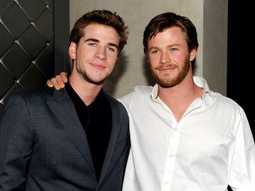 Liam y Chris Hemsworth | Getty Images