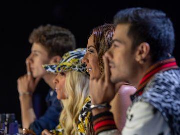 Carlos Rivera y Juanpa Zurita junto a Consuelo Duval y Yuri en ¿Quién es la Máscara? 2   Mezcalent