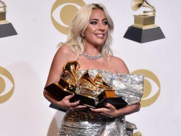 Lady Gaga en la alfombra de los premios Grammy   61 en Los Angeles, California | Getty Images