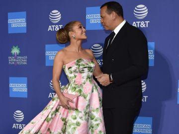 Jennifer Lopez y Alex Rodriguez en la entrega  anual Palm Springs International Film Festival  en Palm Springs, California   Getty Images,  Chris Delmas
