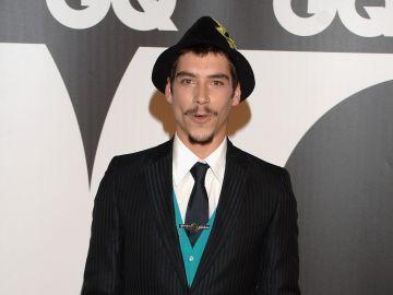 Oscar Jaenada | Getty Images, Carlos Alvarez