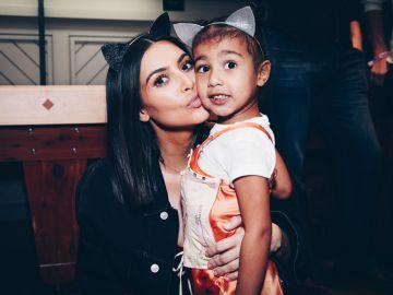 Kim Kardashian y su pequeña North West | Getty Images
