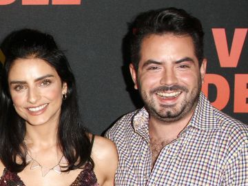 Aislinn Derbez y José Eduardo Derbez comparten entrevista en YouTube