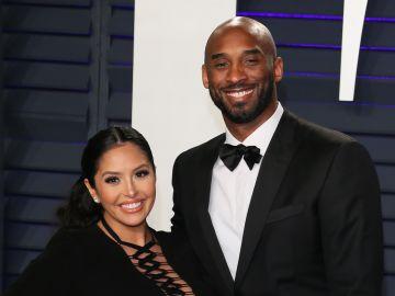 Vanessa Bryant acompañada de su esposo, Kobe Bryant