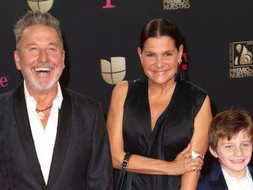 Familia de Ricardo Montaner en Premios Lo Nuestro | Mezcalent