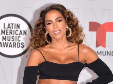 Anitta en los Latin AMAs 2021   Mezcalent
