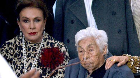 Laura Zapata y su abuelita | Mezcalent
