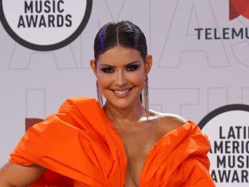 Vanessa Claudio enamora en los Latin AMAs 2021