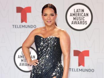 Adamari López en los Latin AMAs 2021