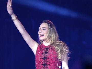 Belinda en los Premios Telehit | Mezcalent