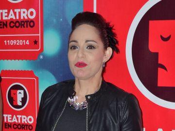 Lola Cortes | Mezcalent