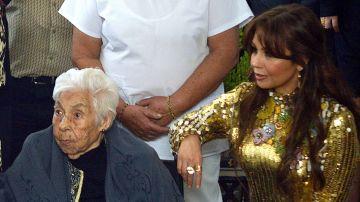Thalia y su abuelita | Mezcalent