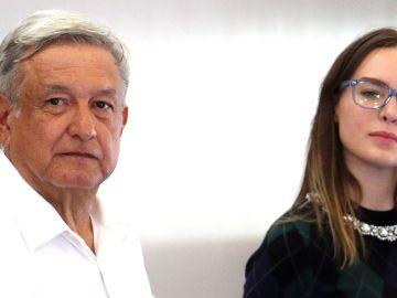 Belinda y el Presidente de México, Andrés Manuel López Obrador   Mezcalent