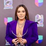 Chiquis Rivera en alfombra roja de Premios Juventud | Mezcalent