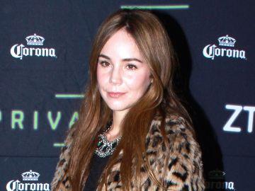 Camila Sodi en alfombra roja   Mezcalent