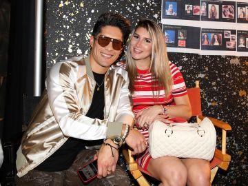 Chyno Miranda y su esposa Natasha Aros   Mezcalent
