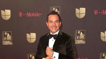 Carlitos Calderón es conductor de Despierta América   Mezcalent
