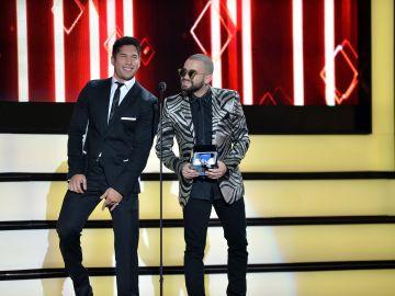 Chino y Nacho en Premios Tu Mundo   Jason Koerner/Getty Images