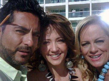 Raúl Araiza, Andrea Legarreta y Roxana Castellanos   Mezcalent