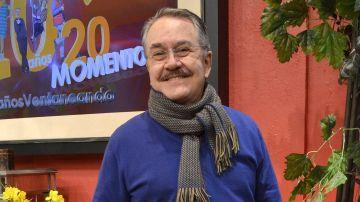 Pedro Sola en el set de Ventaneando   Mezcalent
