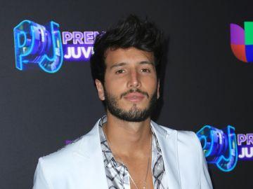 Sebastián Yatra en Premios Juventud | Mezcalent