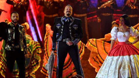 Leonardo, Pepe y Ángela Aguilar en Premios Juventud 2021 | Jason Koerner/Getty Images for Univision