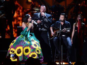 La familia Aguilar cantando en vivo   Jason Koerner/Getty Images