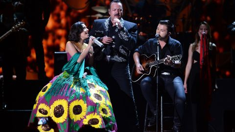 La familia Aguilar cantando en vivo | Jason Koerner/Getty Images