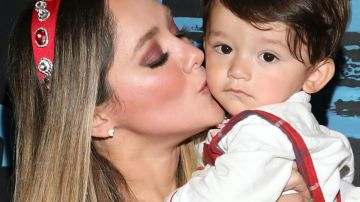 Sherlyn con su hijo André   Mezcalent