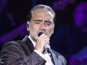 Alejandro Fernández cerrando la gira Confidencias World Tour   Mezcalent