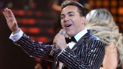 "Cristian Castro cantando en ""Nuestra Belleza Latina"" | Mezcalent"