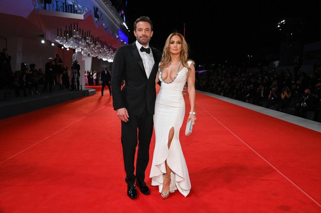 Ben Affleck y Jennifer Lopez en la alfombra roja de 'The Last Duel